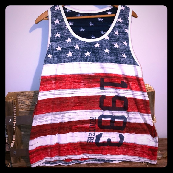 Hooters Other - Hooters American flag tank